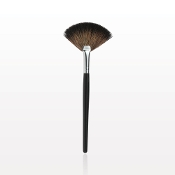 FACES by Brandi Finishing Fan Brush